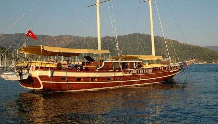 Esparanza Yacht