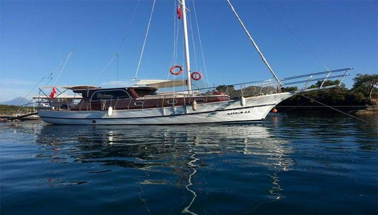 Hayalim A yacht Charter