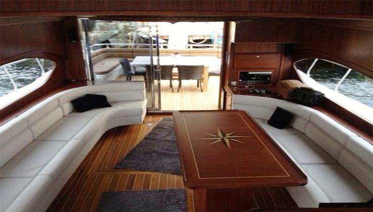 luxury boat 3 (1)