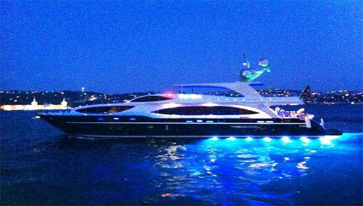 luxury boat 3 private yacht rental istanbul