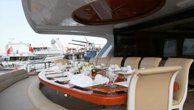 mega boat (2)