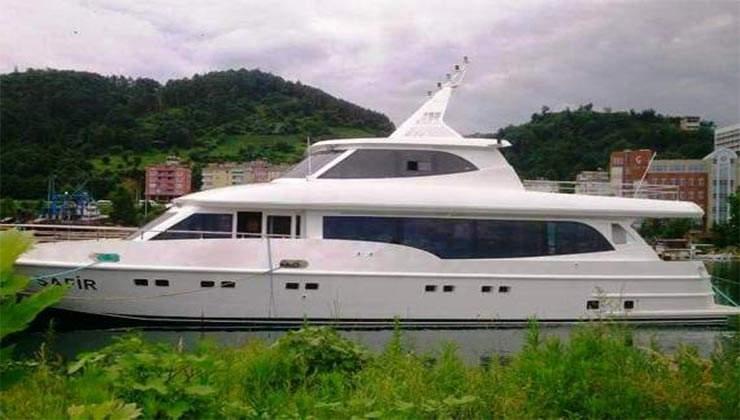 Mega Boat 4