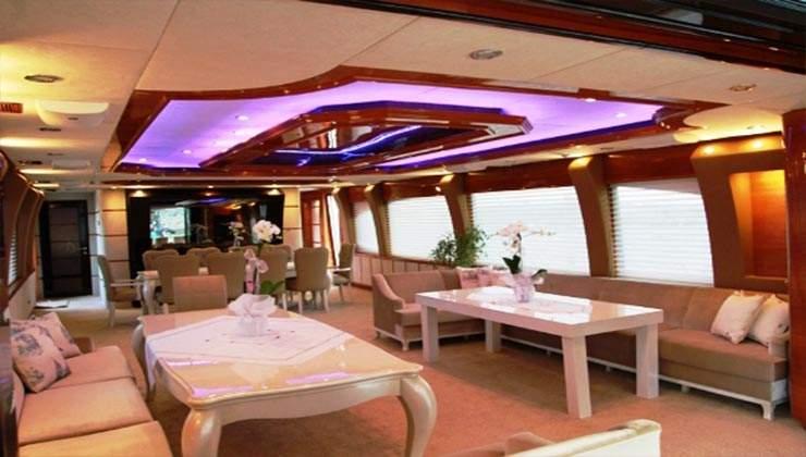 mega boat (4)